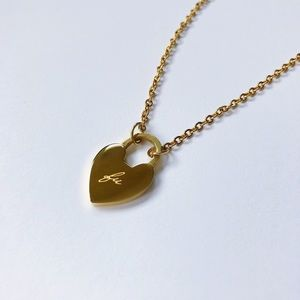 Jewelry - 🆕💕amannequin Delicate Gold FU Heart Necklace